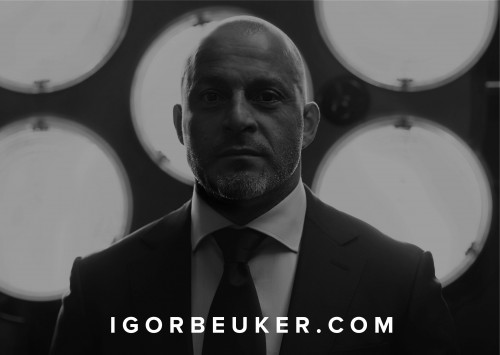 Igor Beuker: Pro Speaker, Author & Awakener on emerging marketing, media, tech and trends.