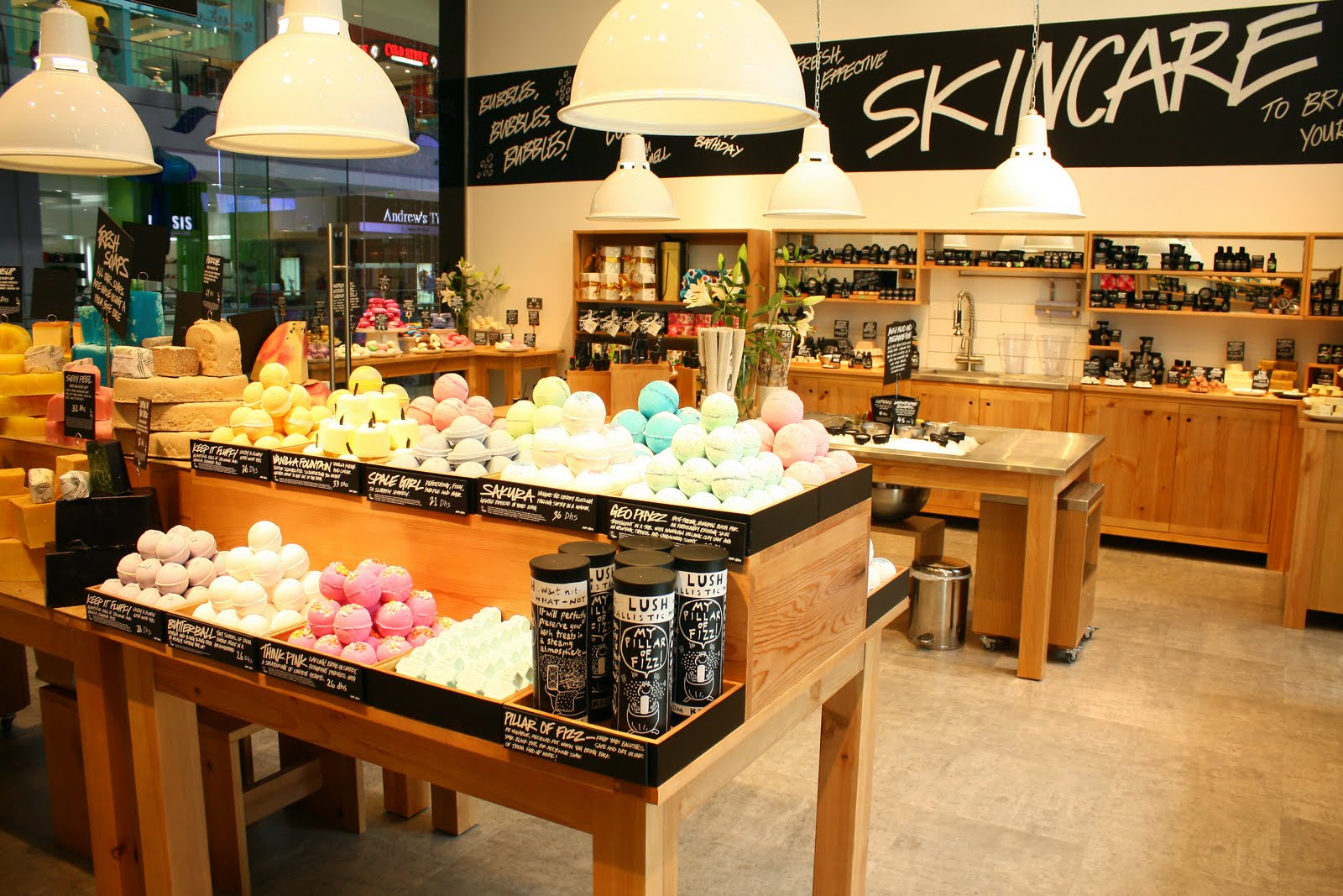 How Retailer Lush Is Earning Attention With Its Forum